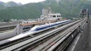 cq5dam web  1280 1280 - Trem japonês levita a mais de 500 Km por hora levando seus primeiros passageiros