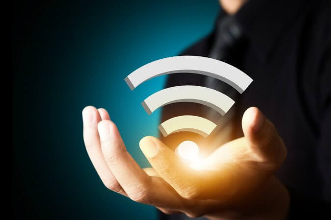 wifi shutterstock 159430124 webonly - MIT cria técnica simples que permitirá redes Wi-Fi seguras sem senha