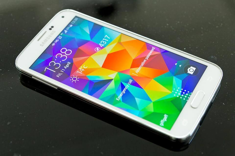 galaxy e7 - Galaxy E7: foto de benchmark confirma especificações do aparelho