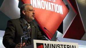 berzoini - MWC15: Ministério das Comunicações ganha prêmio de liderança governamental