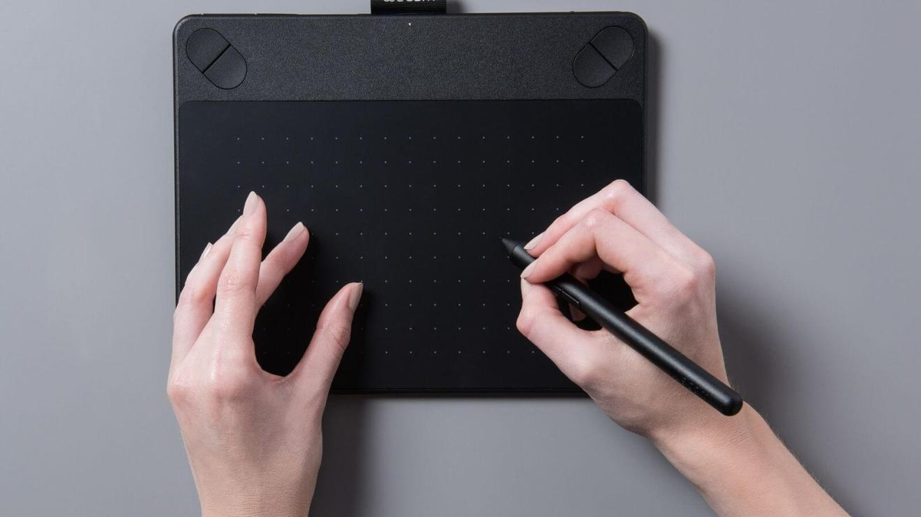 smt intuos capa - Dando mesas à criatividade: Wacom anuncia 4 novos modelos da linha Intuos