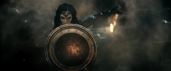 batman-v-superman-image-38-600x249