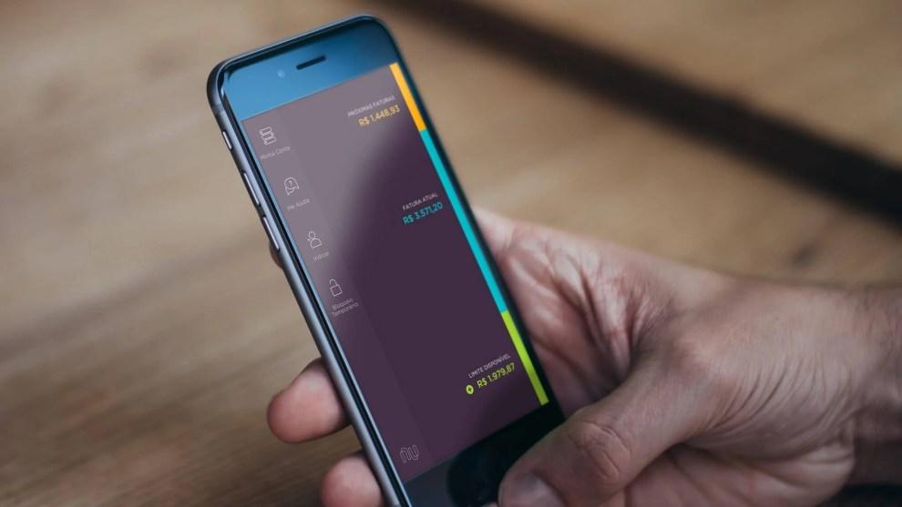mobile ios panel - Vale a pena ter um cartão de crédito Nubank?