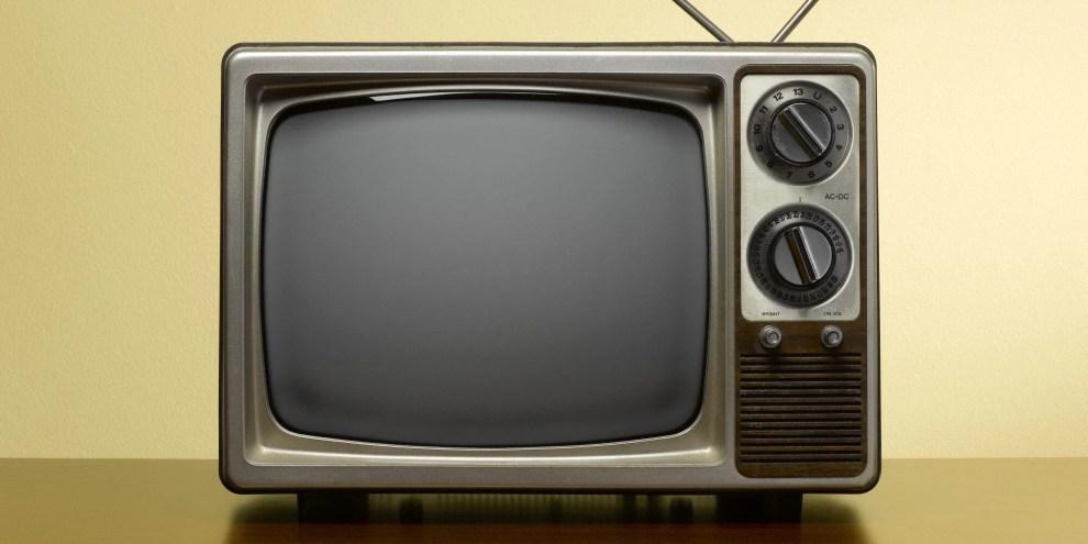 o old tv facebook - Divulgadas cidades que vão desligar sinal de TV analógico em 2017