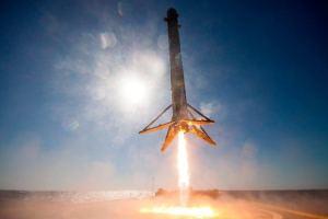 Foguete da SpaceX - Falcon 9 - pousando em vídeo 360º