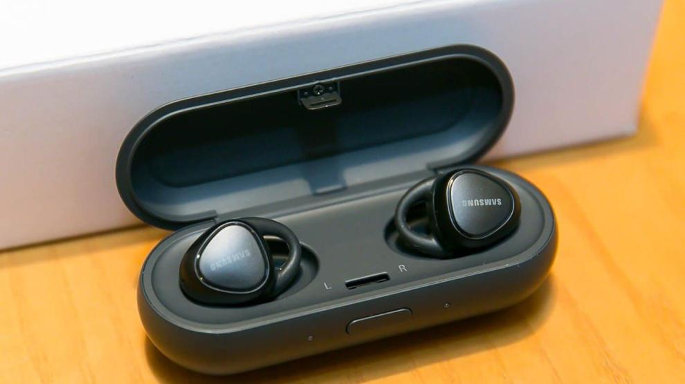 Review: Samsung Gear IconX 8
