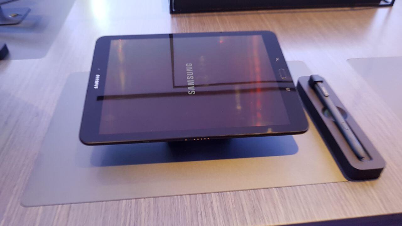 Unknown 5 - MWC 2017: Conheça os tablets Samsung Galaxy Tab S3 e o Samsung Galaxy Book