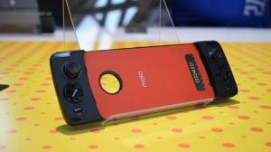 Moto Gamepad Mod Hands On AH 1 - Moto Snap Gamepad chega às lojas na próxima semana