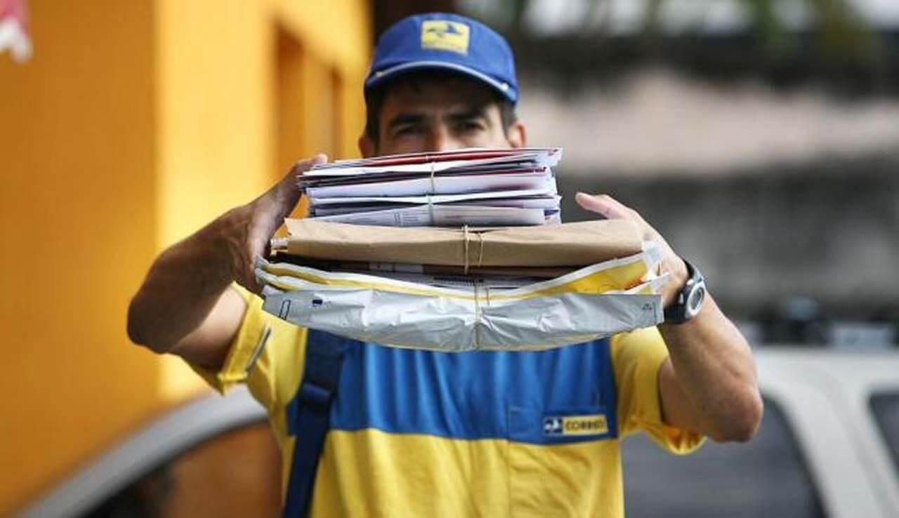 Governo federal considera privatizar os Correios, diz ministro