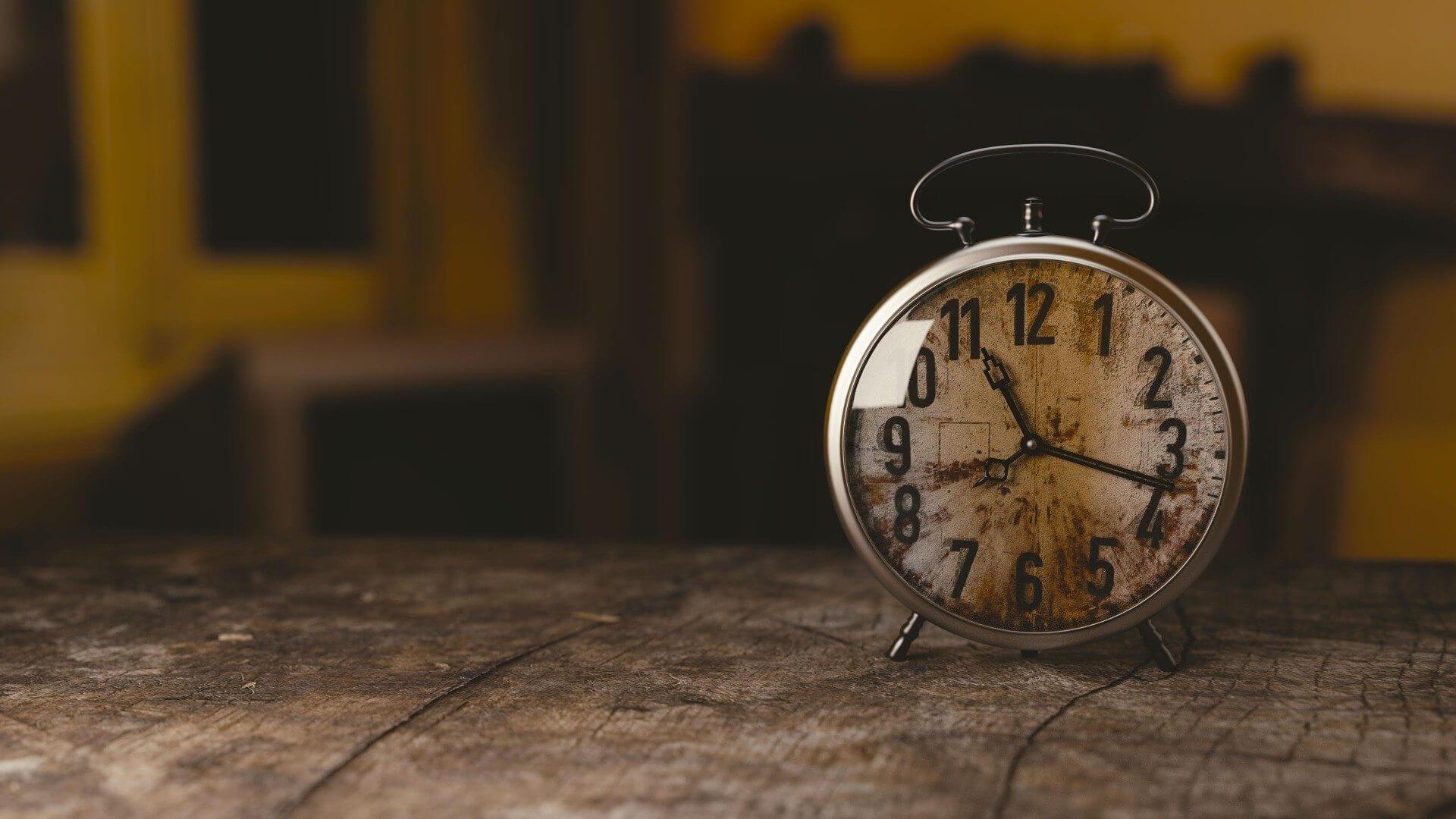 clock 1274699 1920 - Quanto tempo você passa nas redes sociais?