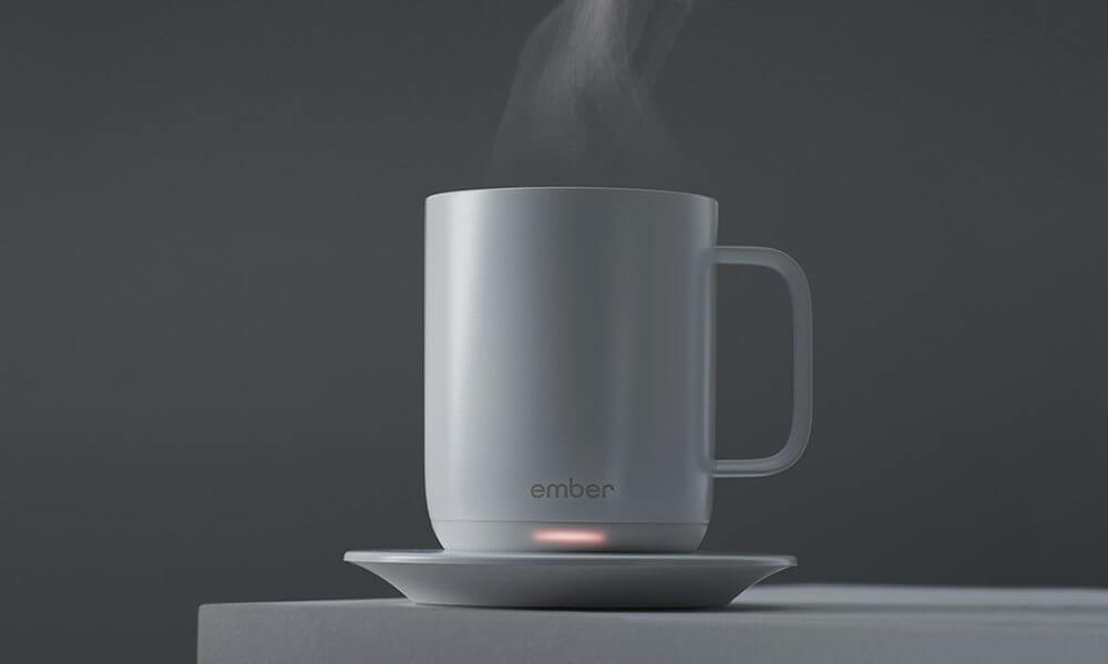 Ember Ceramic Mug Keeps Your Coffee at the Perfect Temperature 1 - Caneca inteligente é a mais nova sensação do Starbucks