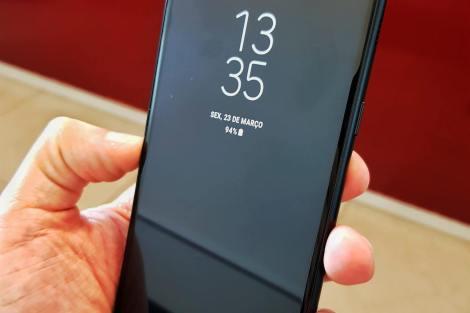 Review Samsung Galaxy A8 - O primeiro intermediário com tela infinita 12