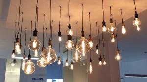 Lâmpada LED com conexão de internet sem fio.