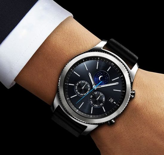 pt feature gear s3 classic leather band 61548761 - Gear S3 e Gear Sport funcionam no iPhone?