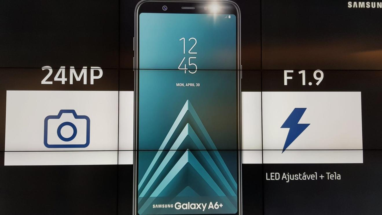 Galaxy A6+ chega ao Brasil com funções do S9+ e preço reduzido 9