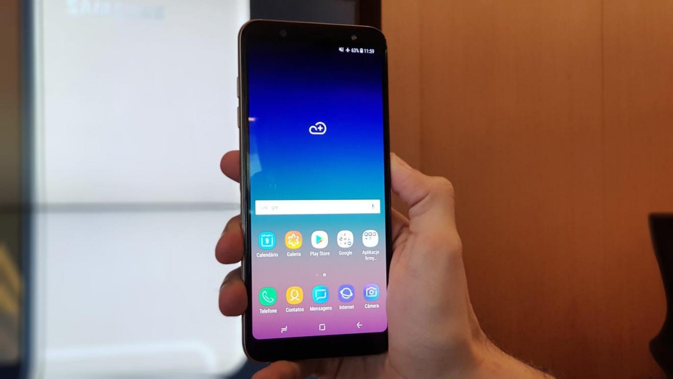 Galaxy A6+ chega ao Brasil com funções do S9+ e preço reduzido 7