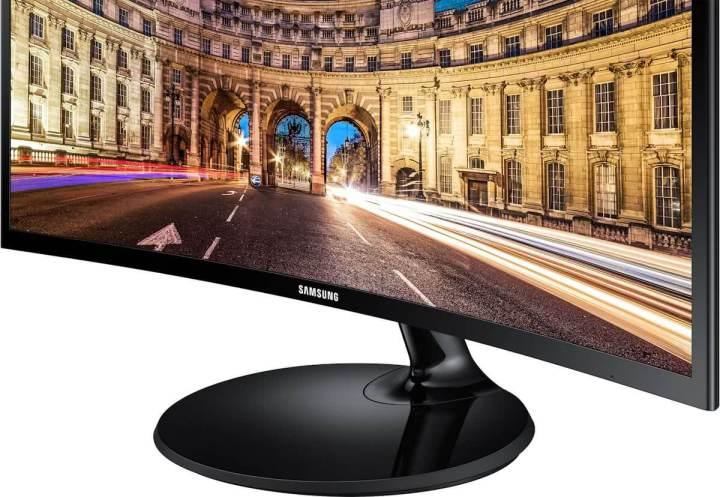 Review: Monitor Samsung 24CF390 e suas curvas sensuais 11