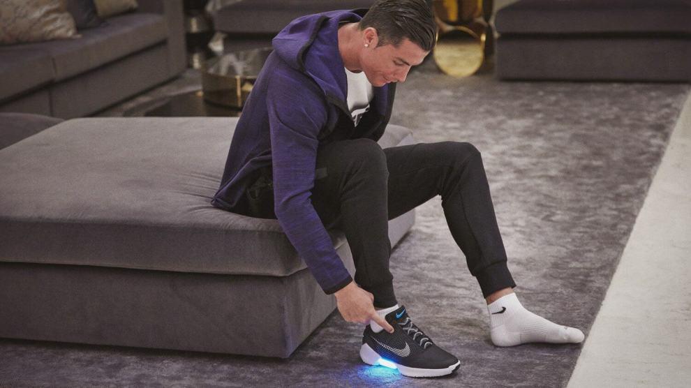 Nike HyperAdapt 1.0, o tênis que se amarra sozinho, chegará ao Brasil ainda este mês 3