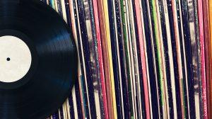 Ouvir discos nunca foi tão fácil: conheça app que reconhece capas pra tocar o album 9