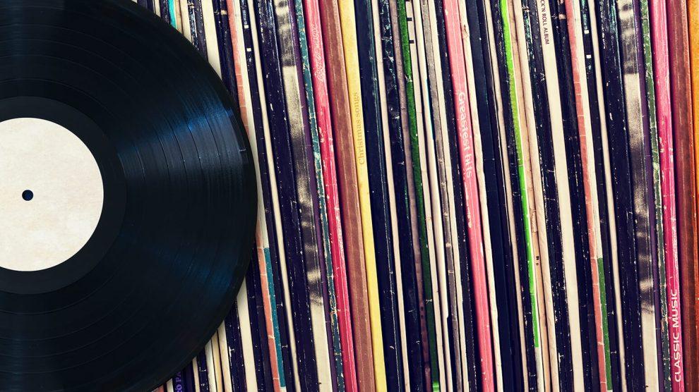 Ouvir discos nunca foi tão fácil: conheça app que reconhece capas pra tocar o album 6