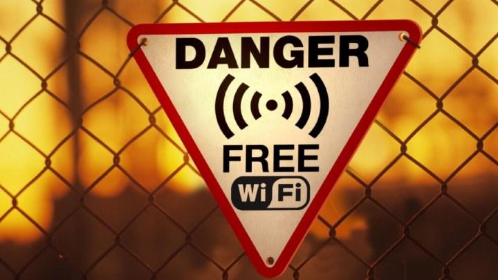 wifi danger 720x405 - Conheça os mitos e verdades sobre a segurança das redes Wi-Fi públicas