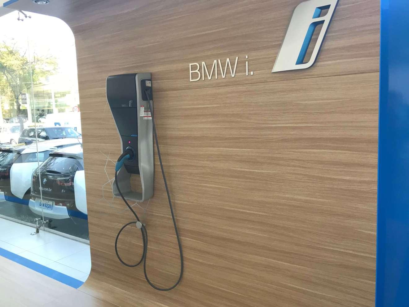 Equipamento de carregamento de carros eletricos - Showmetech