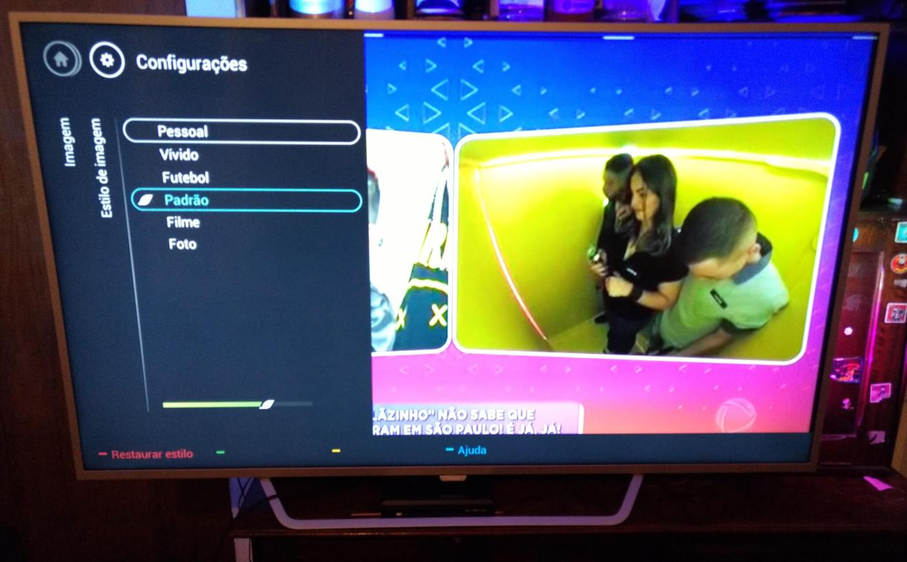 Review: TV LED Ambilight Philips 65PUG6412/78 entrega experiência impressionante 19
