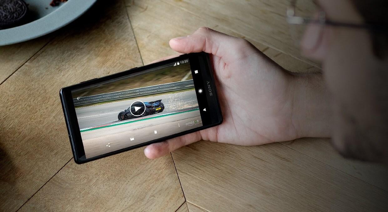 XperiaXZ2 01 - REVIEW: Sony Xperia XZ2 e XZ2 Compact, mais que rostinhos bonitos