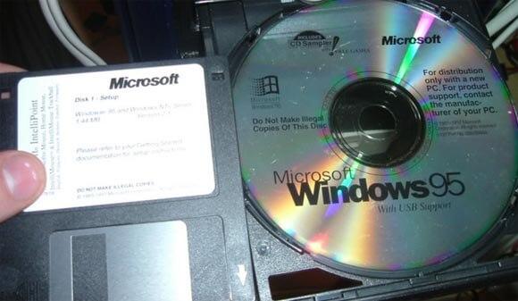 CD e disquete de instalação do Windows 95