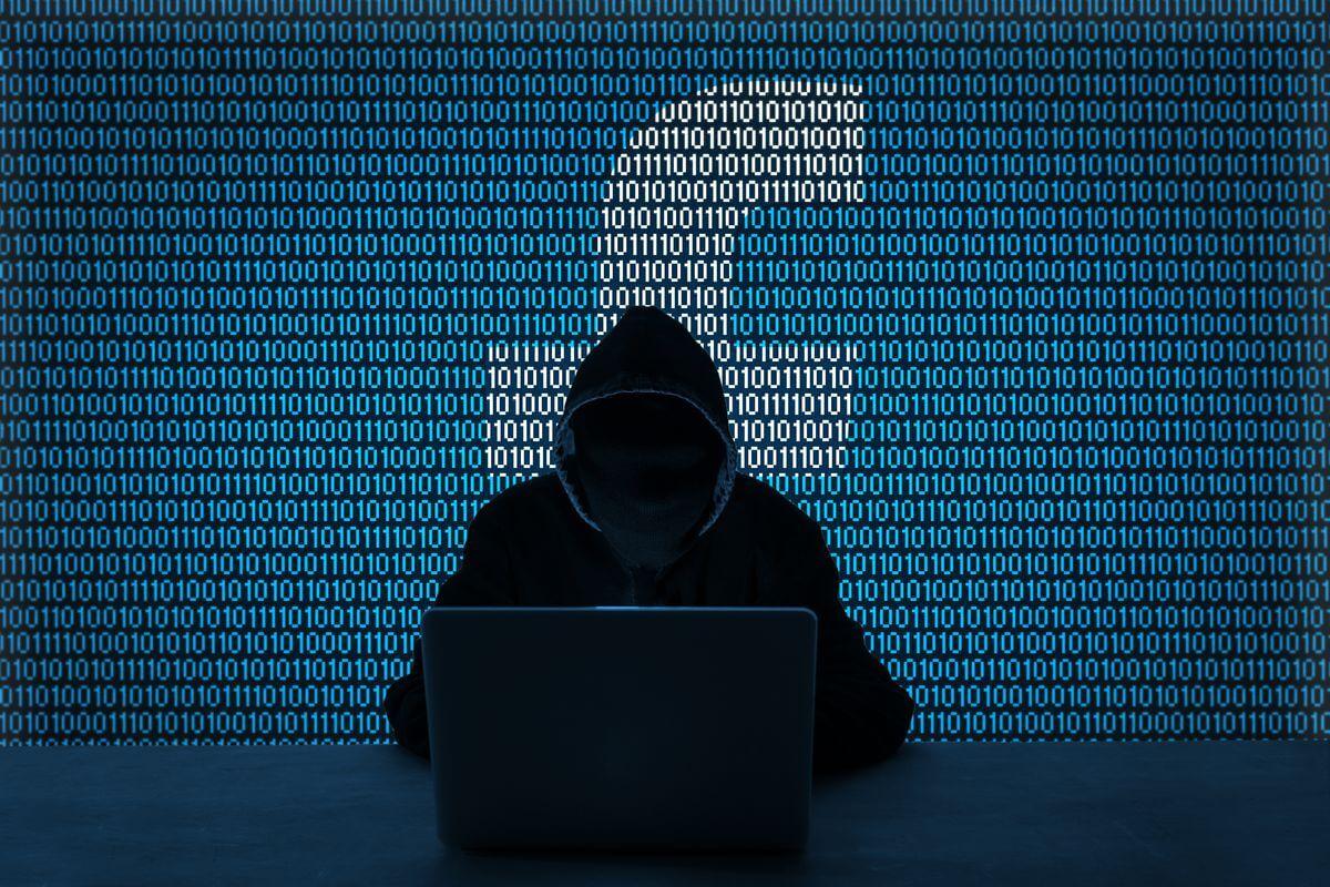 Tem Na Web - Facebook hackeado: Youtube está ensinando como fazer isso