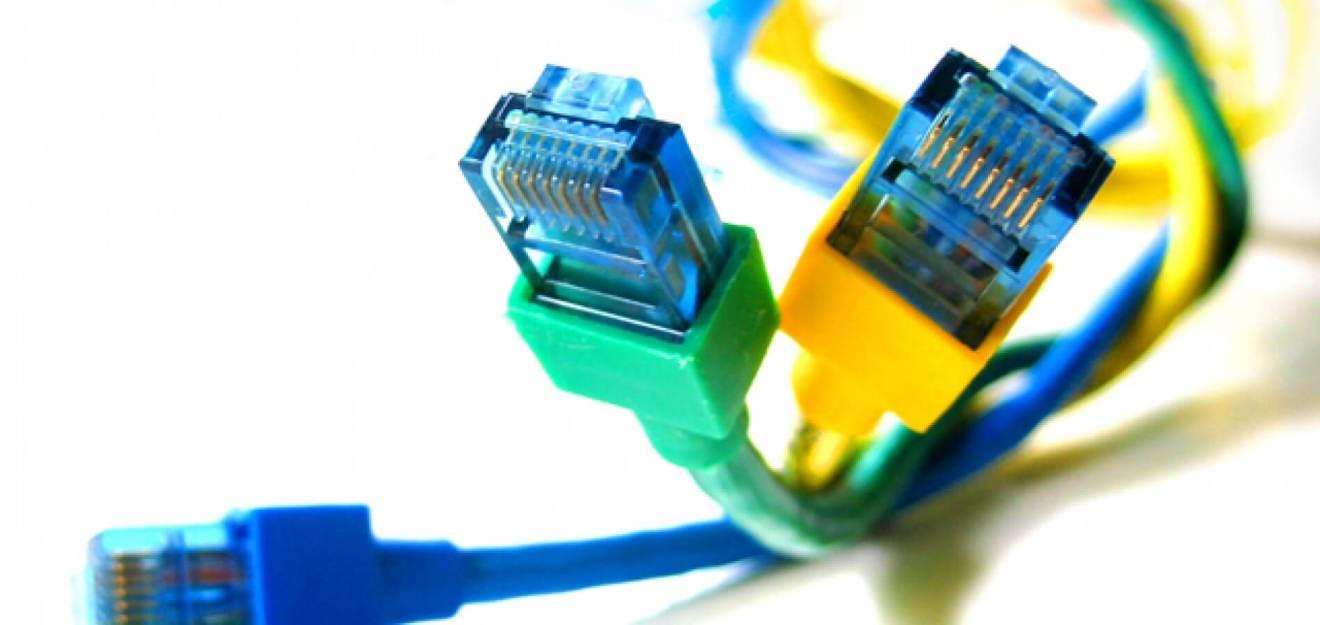 Cabo de banda larga brasileiro