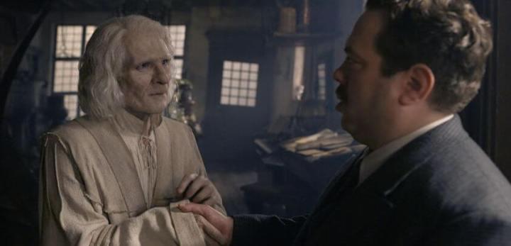 Os Crimes De Grindelwald chega às telas, mas não impressiona 8