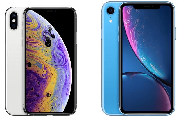Da esquerda para a direita: iPhone XS e XR em um fundo branco