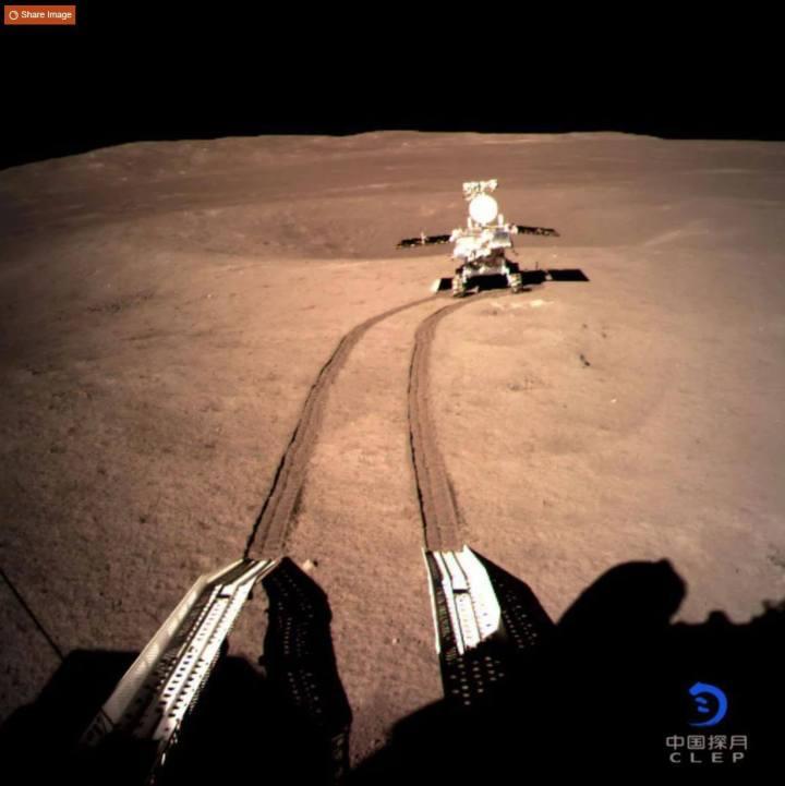 A sonda chinesa Chang'e 4 também foi a primeira a pousar no lado obscuro da lua