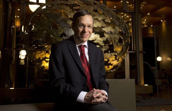 Professor Avi Loeb, presidente do departamento de astronomia de Harvard