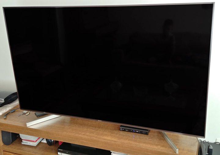 Sony TV X905F frontal 2
