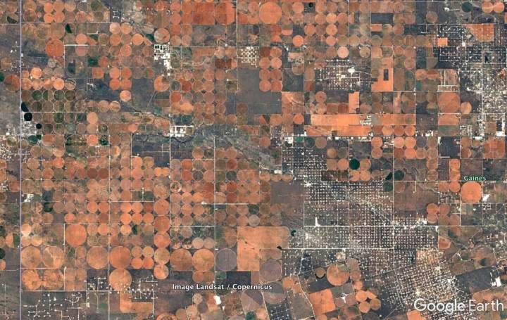Álbum com imagens fascinantes do Google Earth se torna sensação viral na internet 7