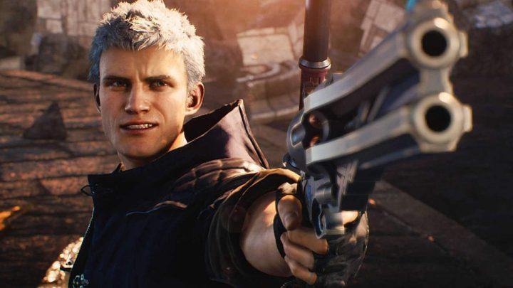 Nero com sua pistola em Devil May Cry 5.