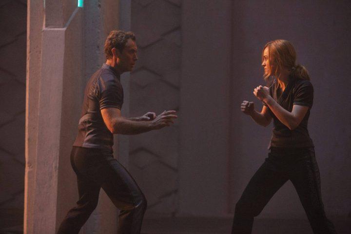 Capitã Marvel é dificil ao contar com três linhas narrativas praticamente