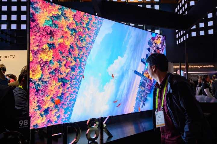 Você compraria uma TV 8K? Conheça as vantagens e desvantagens