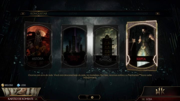 Uma captura de tela do menu do jogo com os modos torres do tempo e kripta em vermelho, indicando que eles não funcionam sem conexão com a internet.