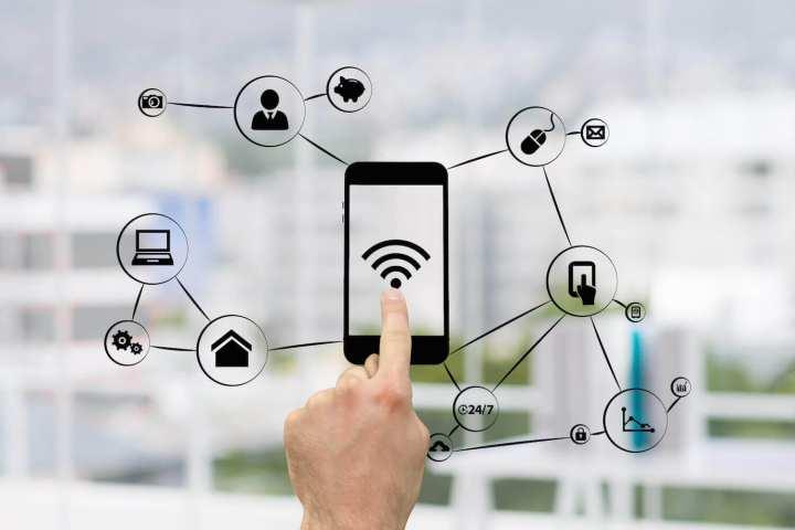 Foto mostra que com o wi-fi, você está conectado em vários lugares ao mesmo tempo.