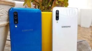 Galaxy A50 e Galaxy A70 lado a lado