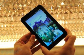 samsung-galaxy-tab-hands-on-01