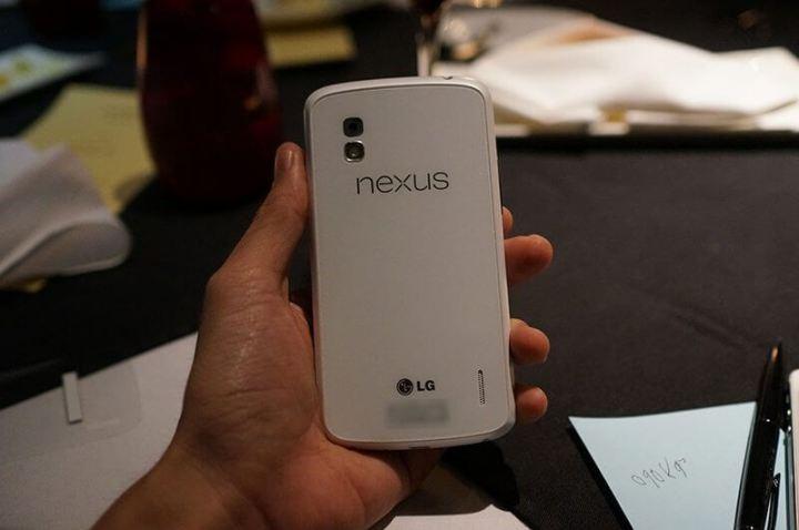 LG Google Nexus 4 branco white 7 720x478 - Nexus Swan deve ser lançado amanhã (Nexus 4 branco)