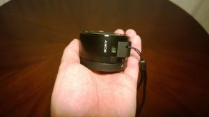 Sony DSC QX10 09 300x168 - Hands-on: Sony DSC-QX10, câmera WiFi para smartphones