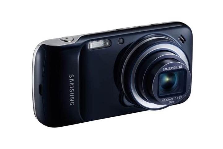 br SM C1010ZKPZTM 000194516 L Perspective black tn1 720x480 - Review: Samsung Galaxy S4 Zoom