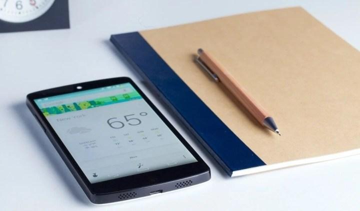 LG Google Nexus 5 Android 4.4 Kitkat 720x422 - Primeiros reviews do Nexus 5 criticam a qualidade da câmera