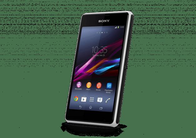 7 Xperia E1 White Front Angle - Xperia E1, um smartphone para ver e ouvir