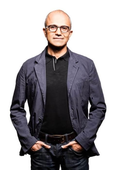 nadella2 web 666x1000 - Satya Nadella deve ser o novo CEO da Microsoft; Bill Gates deixará presidência do conselho
